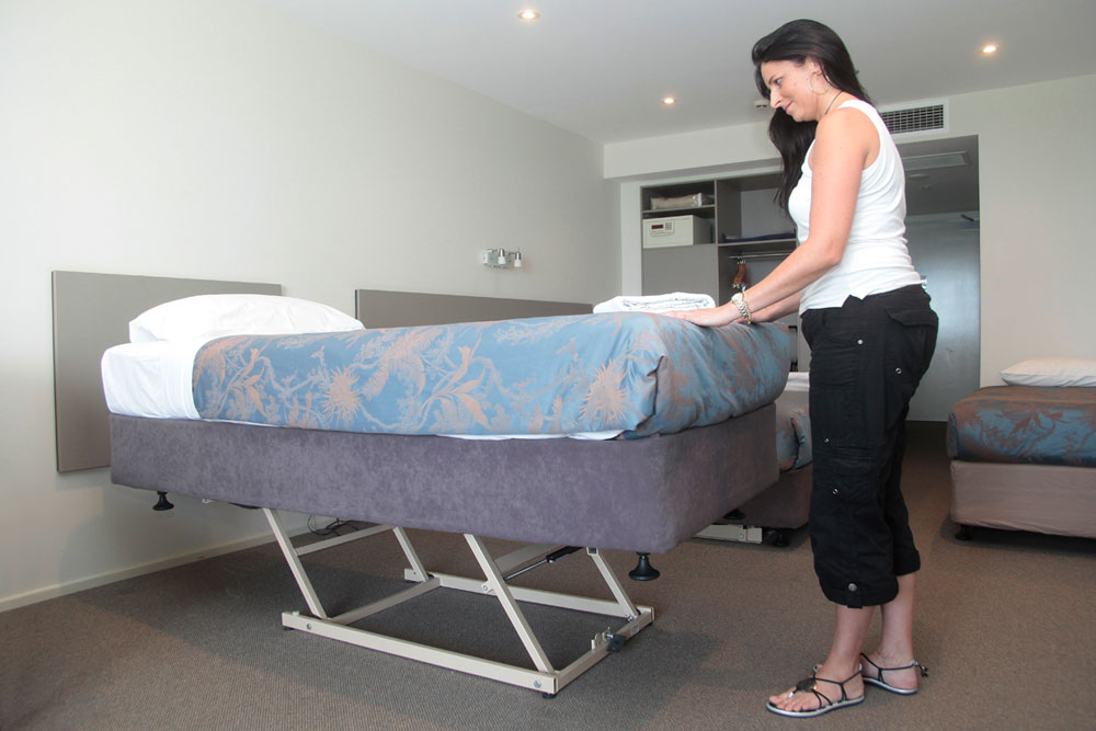 Ezi-Maid Electric Lift - Make beds standing up